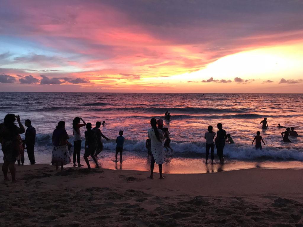 Sri Lanka Jasmine Tours & Drivers スリランカジャスミンツアーズ撮影。 ネゴンボの海、夕日