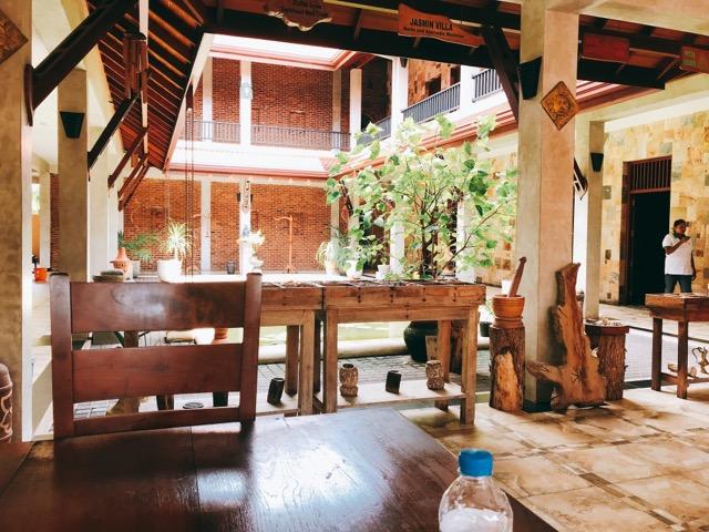 Sri Lanka Jasmine Tours & Drivers スリランカジャスミンツアーズ撮影。 空港近く、ニゴンボのアーユルヴェーダ施設
