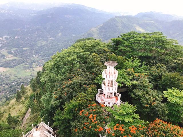 Sri Lanka Jasmine Tours & Driver スリランカジャスミンツアーズ撮影。 アンブルワワタワー登り始めと景色