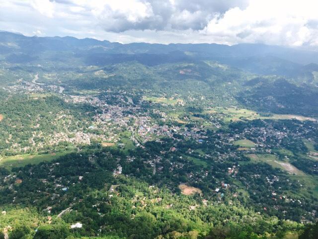 Sri Lanka Jasmine Tours & Driver スリランカジャスミンツアーズ撮影。 アンブルワワタワーに登る