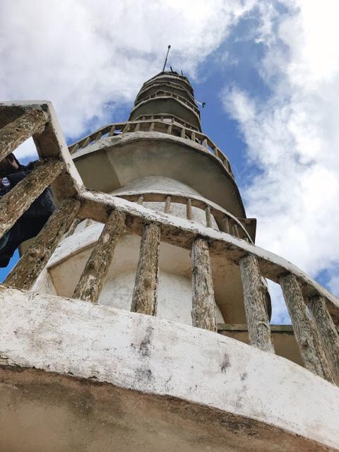 Sri Lanka Jasmine Tours & Driver スリランカジャスミンツアーズ撮影。 アンブルワワタワーを下から