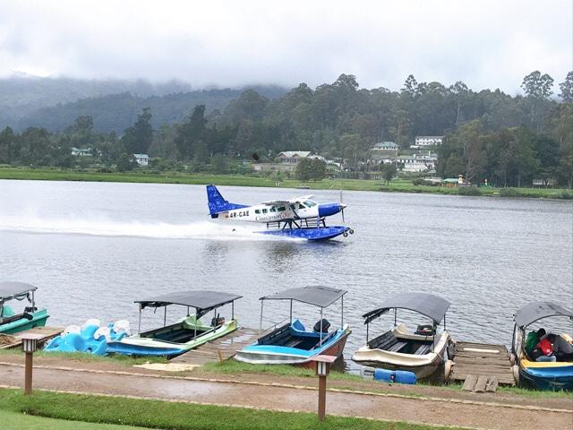 Sri Lanka Jasmine Tours & Drivers スリランカジャスミンツアーズ 撮影。ヌワラエリヤのグリゴリー湖 水上飛行機
