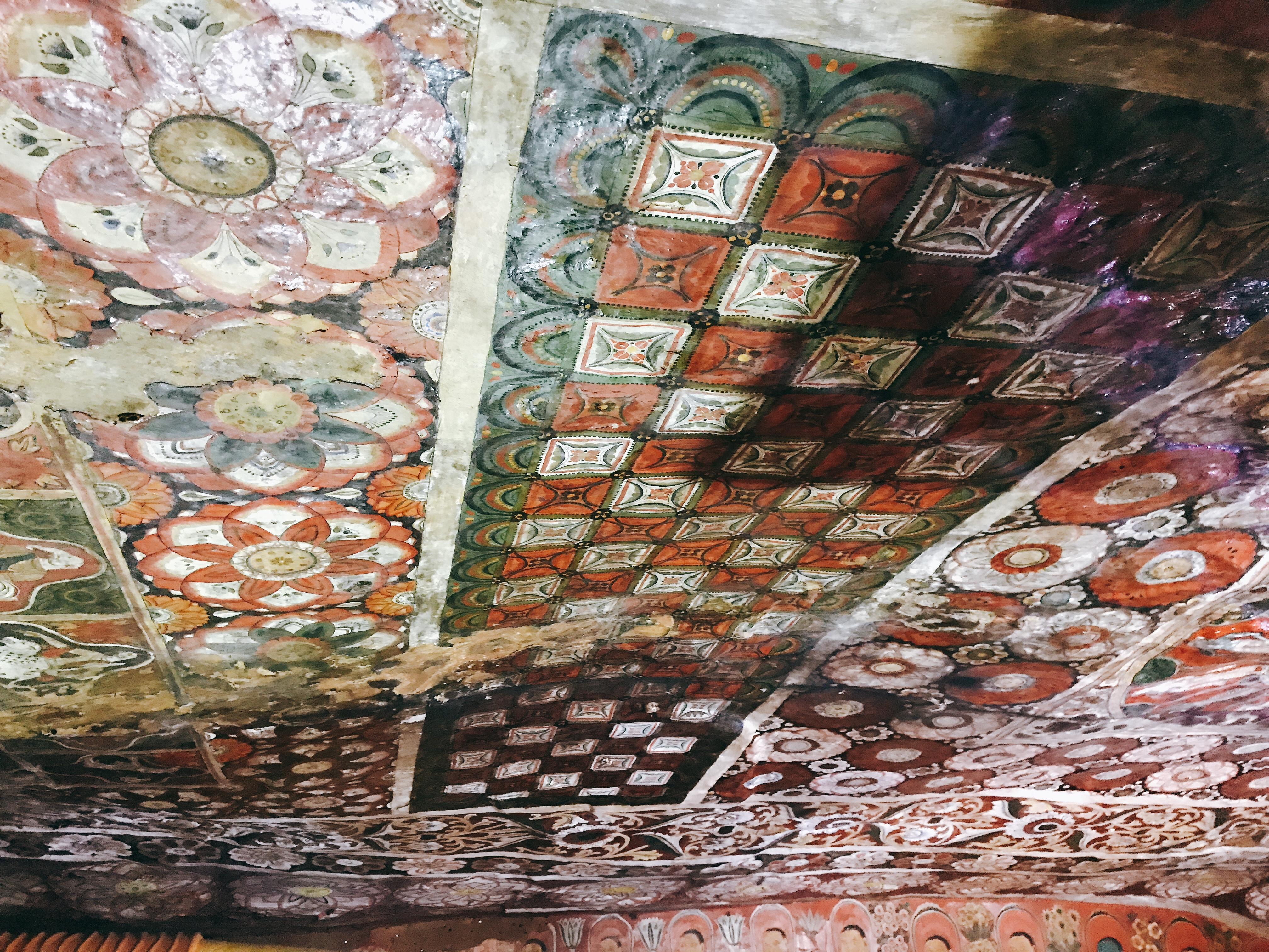 Sri Lanka Jasmine Tours & Drivers スリランカジャスミンツアーズ撮影。 マルキリガラ寺院 マルキリガラ遺跡 ムルキリガラ の天井壁画