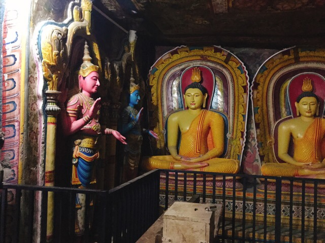 Sri Lanka Jasmine Tours & Drivers スリランカジャスミンツアーズ撮影。 マルキリガラ寺院 マルキリガラ遺跡 ムルキリガラ の座像など